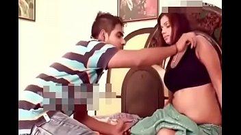 Китаянка предложила клиенту от трахать ее в писечку вскоре после массажа на каталке