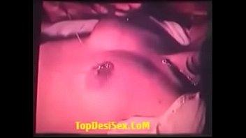 Любитель колготок имеет рыжую бестию на кровати по окончании пробуждения