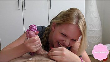 Муж с волосатым пузом чпокает жену в колготочках в манду