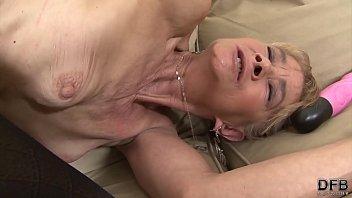 Порно клипы слюнявый отсос члена просматривать в прямом эфире на 1порно