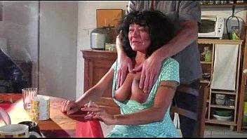 Траха лесбияночки кончают в рот друг другу