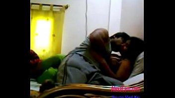 Сексуальная оргия в диванчика с телкой